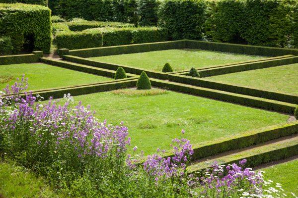 Garden at Château de Poncé-sur-le-Loir near Hotel de France